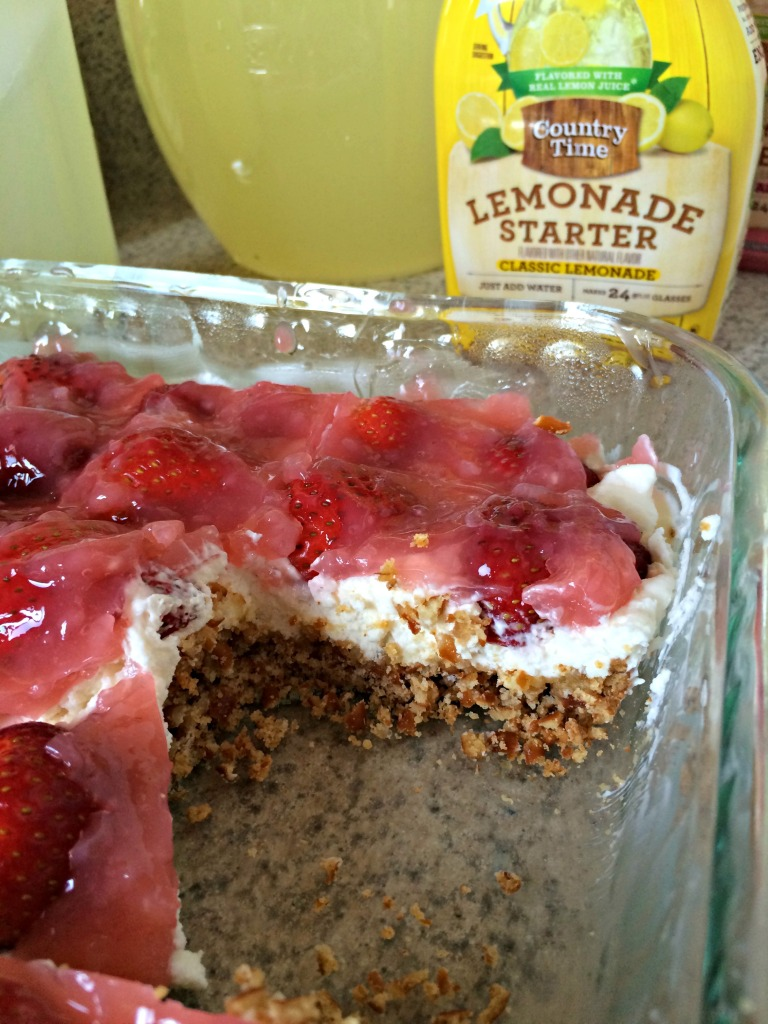Celebrating Spring with Lemonade and Strawberry Pretzel Dessert (Recipe) #ad #PourMoreFun