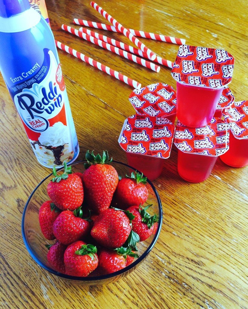 Snack Pack Strawberry Smoothie Simplicity #ad #SnackPackMixins