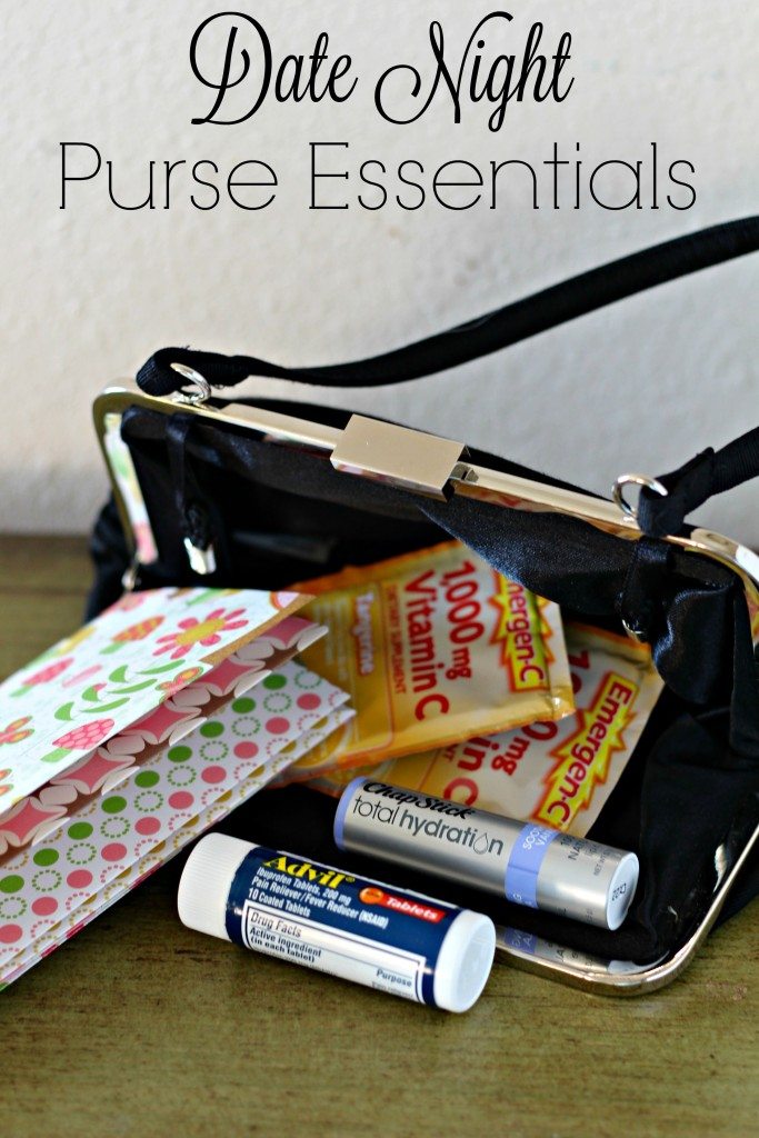 Check out my date night purse essentials, plus learn how to create a simple DIY purse folder, perfect for holding tickets, receipts, lists, coupons and more. #ad #BeHealthyForEveryPartofLife